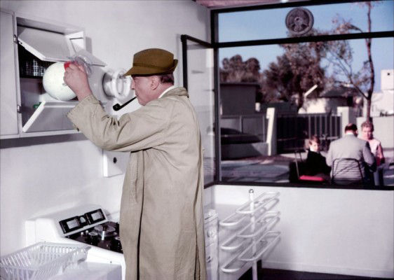 JacquesTati's Monsieur Hulot in Mon Oncle comes face to face with sanitised, mechanised modernism in an automated kitchen. In one of the most sophisticated comedies ever made, Hulot moves uneasily through unfamiliar modernism, but crosses back with ease into his preferred milieu of the messy but liveable traditional town. This kitchen scene, where Hulot is thwarted by the 'machine for living', highlights the seemingly unbridgeable divide between tradition and modernity